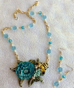 blue flower with bee necklace set