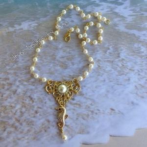 Seri Seahorse Necklace