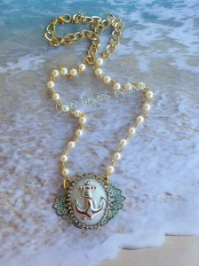 Anchor Cab Necklace